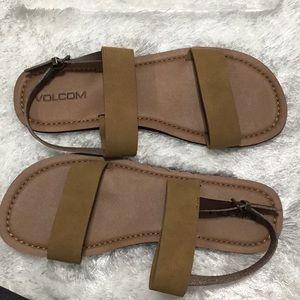 Volcom- NWOT Sandals Camel & Coco buckle Strap 9.5